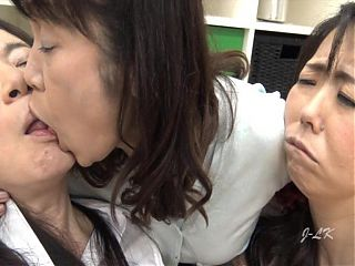 Asian granny porn tube