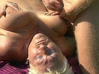 wet granny fanny, plump granny